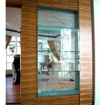 (FU-R001) A wall partition cum glass shelves display