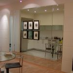 (WN-R011) Lovely glass wall adds space to any apartment.