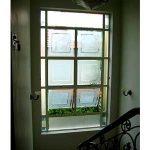 (AL-R004) Aluminium window using sandblasted glass design