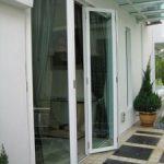 (AL-R009) White color coated framed folding door