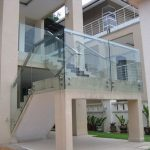 (BL-R006) Glass balustrade with steel handrails