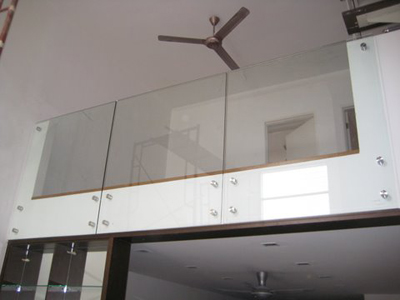 Frameless glass solution