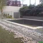 (FE-R013) Glass fencing on swimming pool