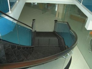 glass-staircase-design-1