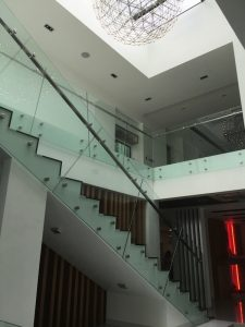 glass-staircase-design-4